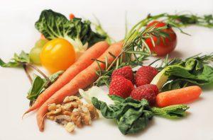 Mit Rohkost bezeichnet man im Allgemeinen unerhitzte Nahrung pflanzlicher Herkunft.