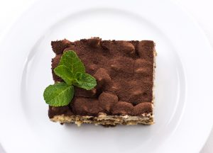 Unterwegs richtig essen fällt in Restaurants schwer mit leckeren und kalorienhaltigen Desserts wie Tiramisu.