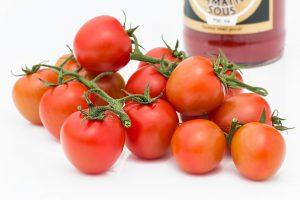 Tomaten enthalten wie Kaffee und Tee viele Antioxidanzien und bekämpfen so die Zellalterung.