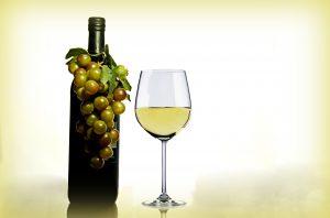 Trockener Wein ist bei der Schroth-Kur erlaubt.