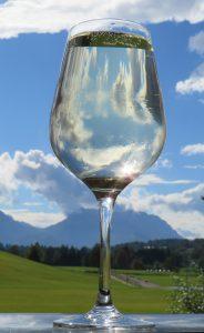 Während der trockenen Kur ist es wichtig ausreichend viel Wasser zu trinken.