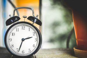 Wann nimmt man am besten ab? Das Beachten der Uhrzeit ist wichtig beim Abnehmen.