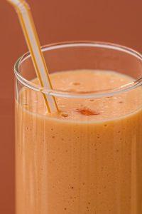 Bei der Bios Life-Slim-Diät trinkt man spezielle Drinks die satt machen und viele Vitamine und Ballaststoffe enthalten.
