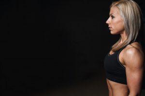 Muskeln im Alter können durch regelmäßiges Training erhalten werden.