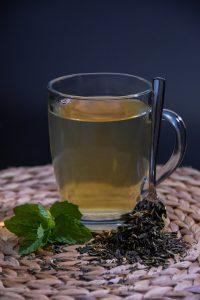 Diuretika zum Entwässern kann man als Tee einnehmen.