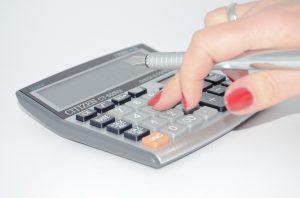 Neben Komplikationen muss man auch mit hohen Kosten rechnen.