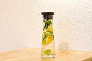 Für die Wasser-Diät benötigt man ein spezielles Wasser mit Extra-Zutaten.