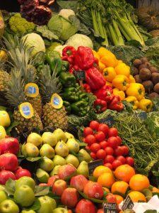 Bei der Farbendiät nutzt man die Farbe der Lebensmittel, um Rückschlüsse auf ihre Inhaltsstoffe und Stellenwert für die Diät zu ziehen.