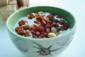 Getrocknet ähneln die Goji-Beeren den Rosinen und eigenen sich gut als Zusatz zum Müsli oder Joghurt.