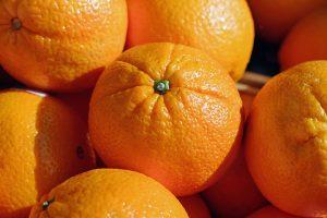 Orangen enthalten viel Vitamin C und können einem Vitamin C Mangel entgegen wirken.