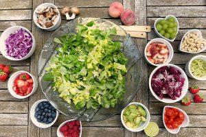 Effektiv Abnehmen kann man am einfachsten durch eine gesunde Ernährung.