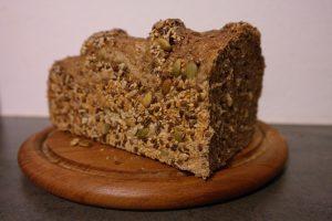 Mit Kohlenhydraten abnehmen ist durchaus möglich, man sollte jedoch auf gesund Kohlenhydrate aus vollem Korn achten.