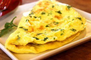 Diätrezepte mit Ei, wie ein Omelette, eigenen sich gut für eine Diät.