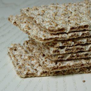 Kohlenhydrate und Ballaststoffe in Form von Knäckebrot sind äußerst wertvoll.