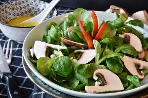 Die Ernährung mit viel Rohkost bringt den Säure-Basen-Haushalt im Körper wieder ins Gleichgewicht.