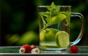 Für das Abnehmen ist es wichtig ausreichend zu trinken.