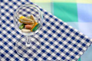 Nahrungsergänzungsmittel in zu hoher Dosis können auch schaden.