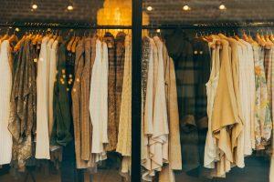 Mit Schadstoffen belastete Bekleidung kann zu Kontaktallergien führen.