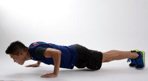 Push-ups stärken Oberkörper und Arme.
