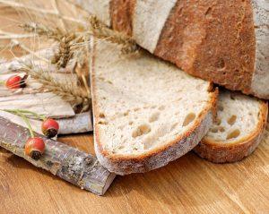Bei der Diät sollte man auf einfache Kohlenhydrate wie in Produkten aus weißem Mehl meiden.