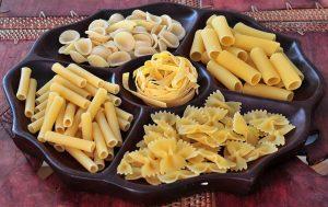 Nudelersatz zu klassischen Nudeln aus Weizenmehl ist nicht nur während der Diät eine gute Alternative.