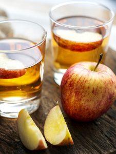 Wie Apfelessig für einen Schönheitsdrink verwendet werden kann.