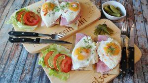 Das Frühstück liefert wichtige Energie für den Tag oder auch ein Training.