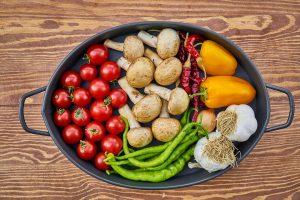Frische Zutaten und frisches Gemüse sind wichtiger Bestandteil einer gesunden Ernährung.