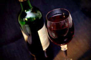Mit Rotwein abnehmen, ist das möglich? Wie Rotwein beim Abnehmen helfen kann.