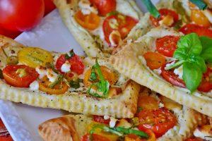 Die mediterrane Küche eignet sich mit ihrem frischen Gemüse und gesunden Fette gut für ein dauerhaftes Abnehmen.