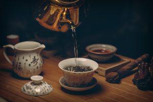 Grüner Tee kann den Blutdruck und Blutzucker sowie Cholesterin senken.