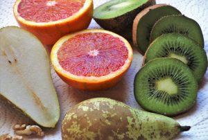 Eine vegetarische Ernährung bietet gesundheitliche Vorteile und erleichtert das Abnehmen durch den Verzicht auf tierische Fette und viele Kalorien.