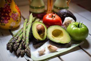 Gemüse und Hülsenfrüchte stehen im Mittelpunkt der Ernährung.