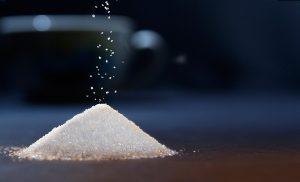 In Maßen genossen ist Zucker nicht so ungesund wie häufig behauptet.