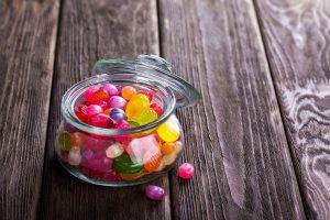 Süßigkeiten und Alkohol sind bei der Diät tabu.