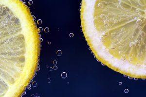 Bei der Säure-Basen-Diät achtet man auf das richtige Verhältnis von sauren und basischen Lebensmitteln.