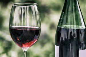 Auch Rotwein fördert bei der Polymeal-Diät die Herzgesundheit.