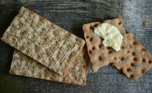 Vollkornprodukte wie Brote, Knäckebrot etc. haben einen geringen glykämischen Index.