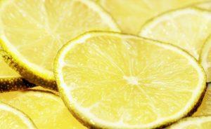 Die Zitrone gehört zu den Superfoods und wird auch gern bei Diäten genutzt.